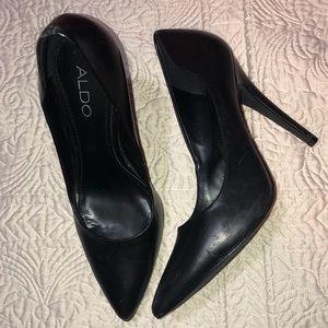 Black Aldo size 38 Heels